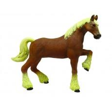 Лошадь тяжеловоз коричневая