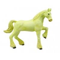 Лошадь тяжеловоз белая
